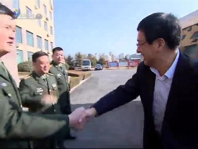 王鲁明走访慰问驻威部队上级机关
